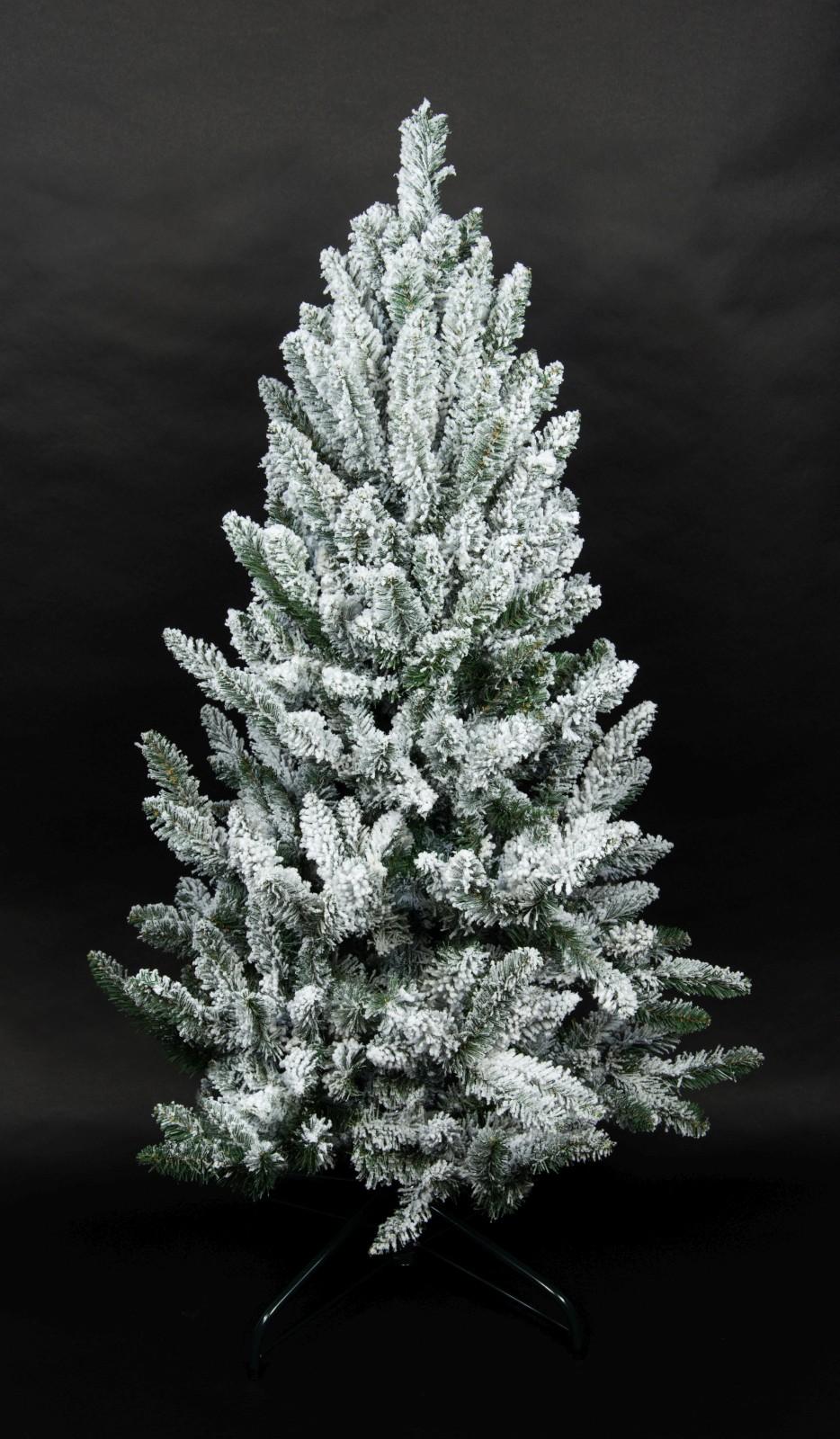 Gro artig weihnachtsbaum schnee galerie weihnachtsbilder - Beleuchteter tannenbaum kunststoff ...