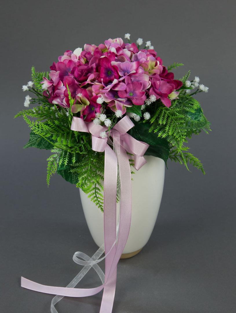 brautstrau mit hortensien und schleierkraut rosa pink. Black Bedroom Furniture Sets. Home Design Ideas