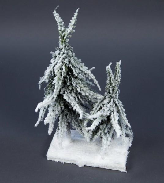2er-Tannenbäumchen mit dickem Schnee auf Holzplatte JA künstlicher Tannenbaum Weihnachtsbaum