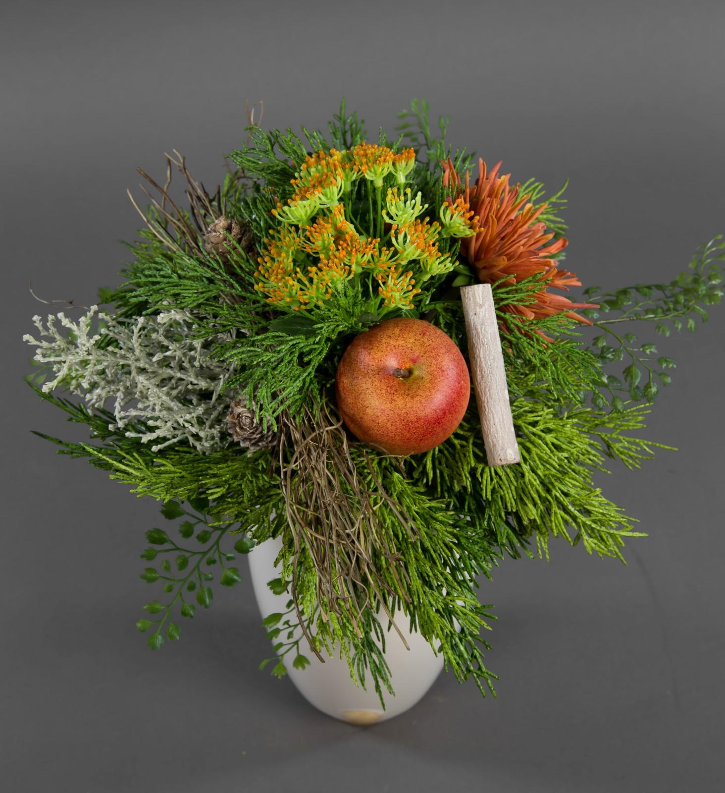 Strauß Landgut Exklusiv mit Chrysantheme Apfel und Zeder ...
